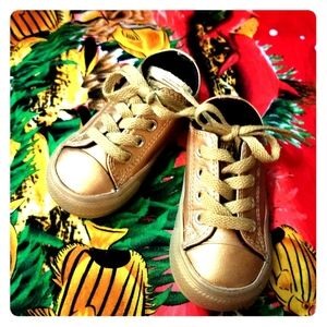 Converse Toddler size 5 tone on tone GOLD